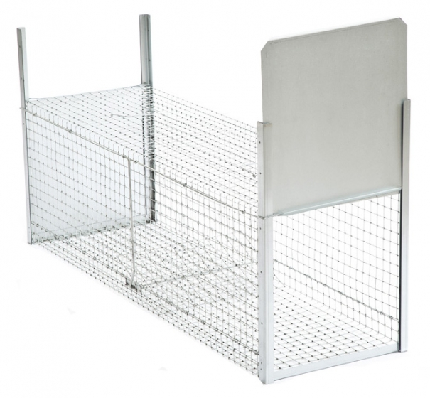 Two-entry coypu cage