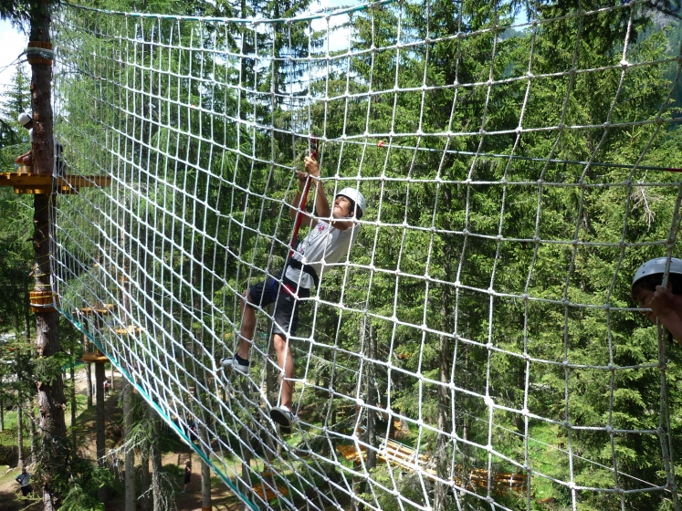 Climbing nets for adventure parks