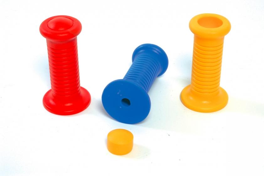 Handgrip for spring toys
